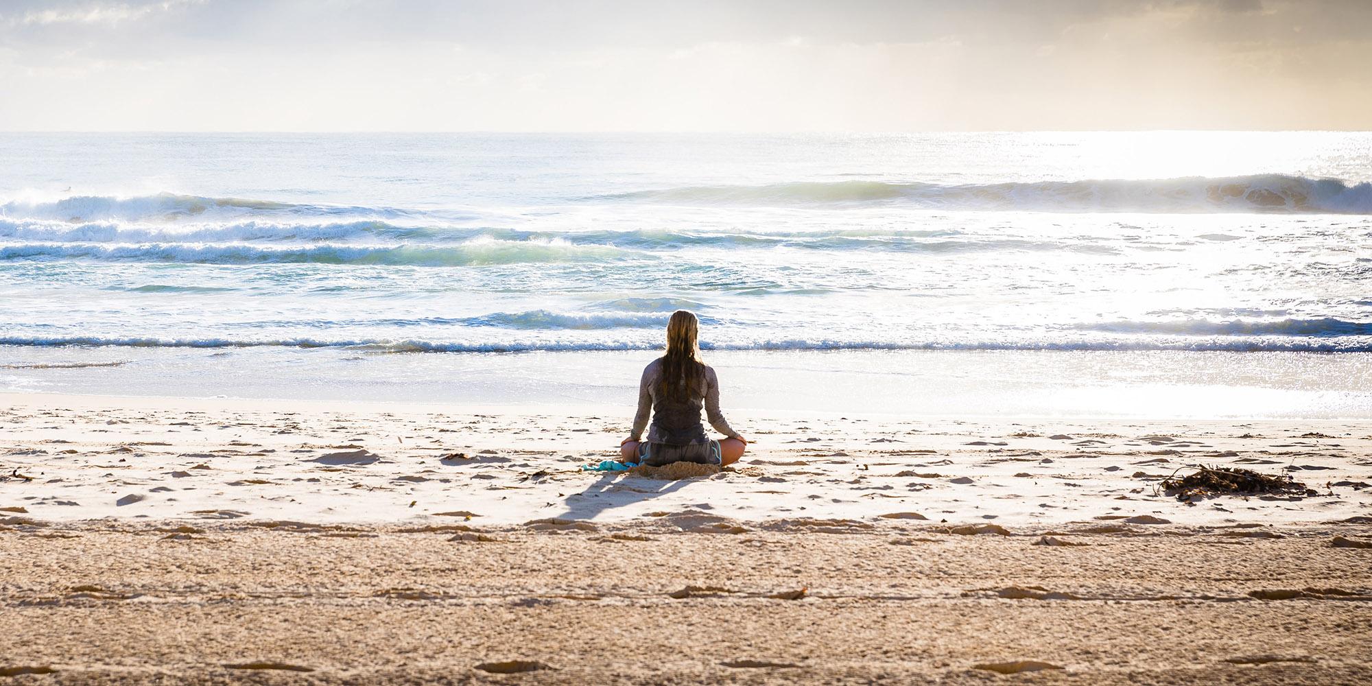 Meditazione - Franco Bottalo a Fosdinovo | Tre meditazioni quotidiane di un'ora e due meditazioni di 30 minuti, unite alla pratica del Qi Gong.