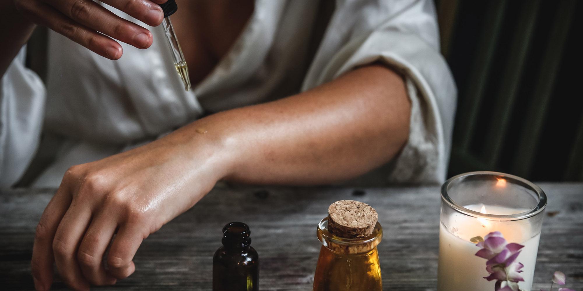 """Formazione professionale su """"Gli Oli Essenziali nella tradizione alchemica"""""""